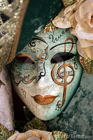 Luxurious Mask by Luckynick